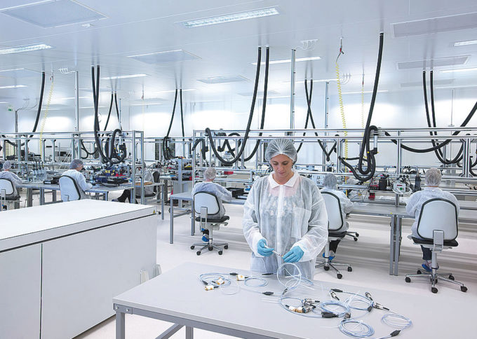 Construction pour l'industrie de pointe AXON'Cable d'une salle blanche iso 7